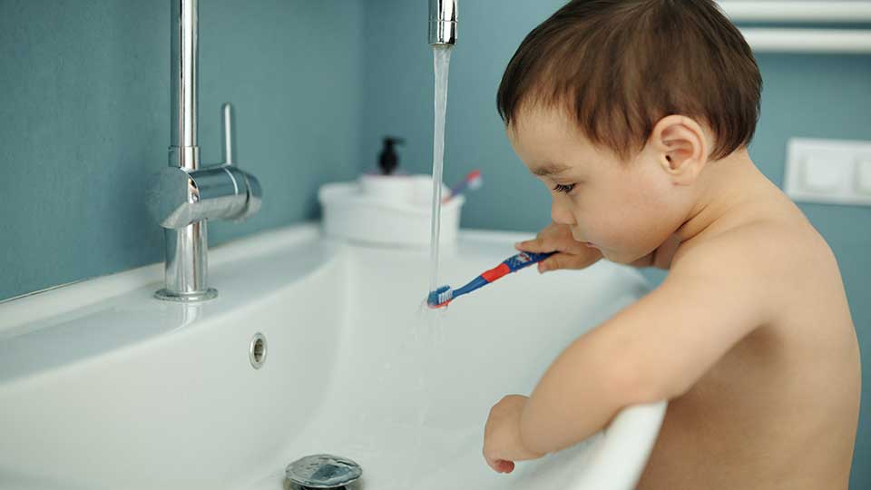 How to Brush Toddler Teeth in 7 Easy Steps